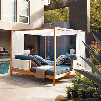 Brizo Daybed with Cushions by Porta Forma, Special Order