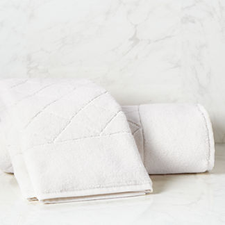 Coastal Icon Resort Quilted Hand Towel