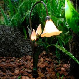 Opal Glass Primrose Garden Light