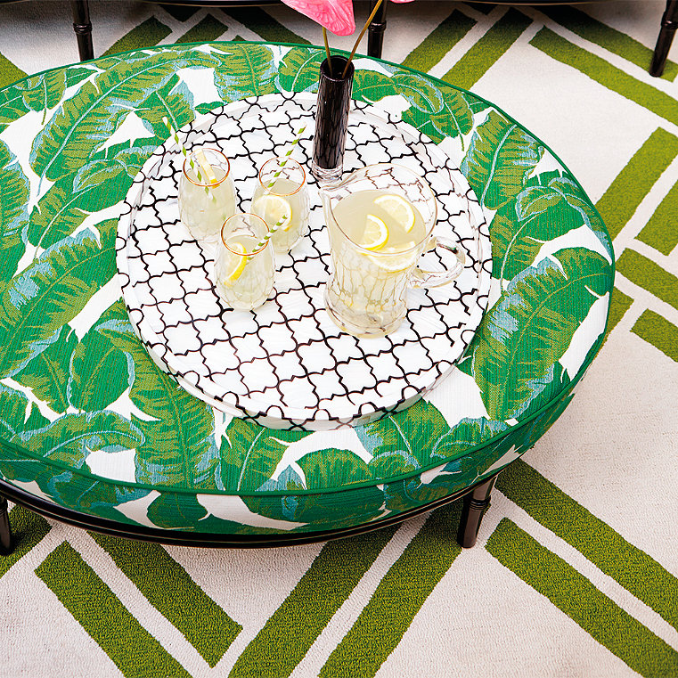 Polypropylene weather resistant outdoor rug frontgate for Water resistant outdoor rug