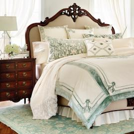 Corvina Ruffled Coverlet