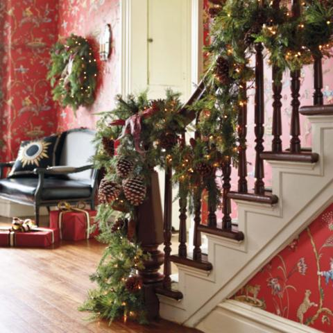 Asheville estate cordless banister garland frontgate for Fresh garland on banister