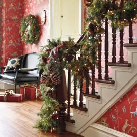 Asheville Estate Cordless Banister Garland