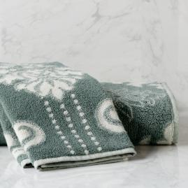 Blythe Two-tone Damask Bath Collection in Spruce