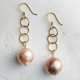 Baroque Blush Pearl & Gold Loop Earrings by