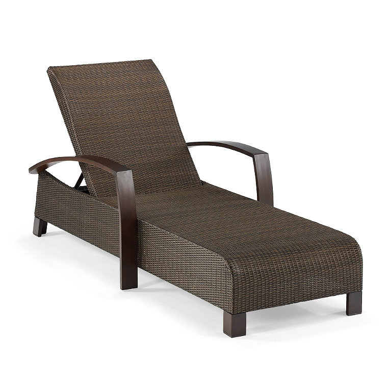 X back roma chaise lounge bridges the traditional and the for Aluminum frame chaise lounge