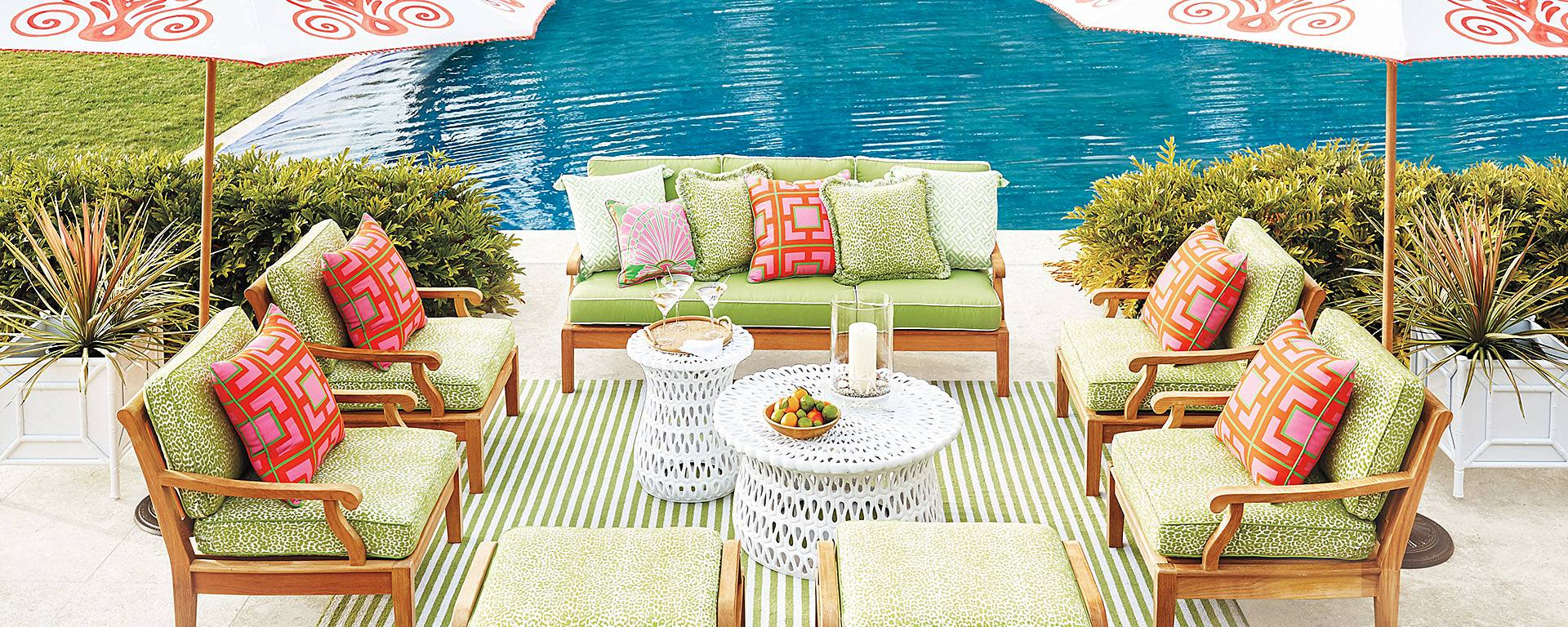 HOW TO BRING THE PARTY TO YOUR OUTDOOR SPACE
