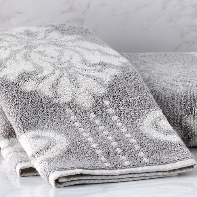 blythe two-tone sculpted bath towels