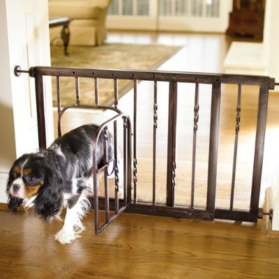 21 Inch Expanding Tension Mount Pet Gate Frontgate