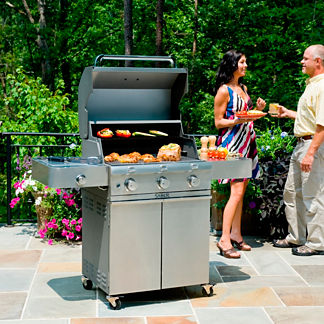 Saber 500 3-burner Gas Grill with Cast Stainless Steel Lid