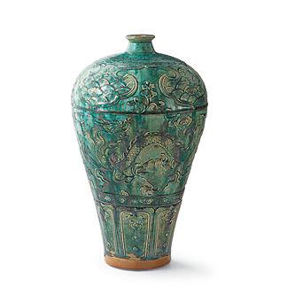 Emerald Textured Dragon Vase