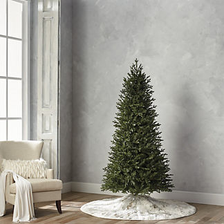 Deluxe Fraser Estate Quick Light LED 7-1/2' Slim Profile Tree