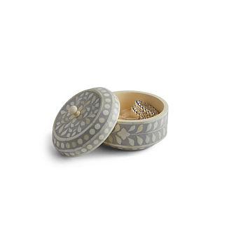 Giana Round Jewelry Box