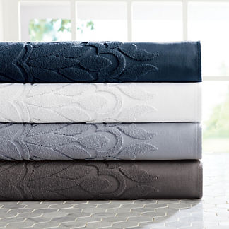 Resort Sculpted Bath Towels