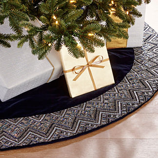 Delft Blue Beaded Velvet 60in Tree Skirt