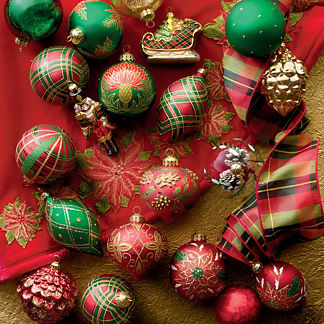 A Wonderful Christmas 30-piece Ornament Collection