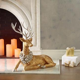 Shimmering Wreath Reindeer