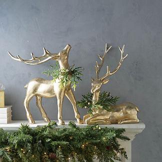 Majestic Wreath Deer
