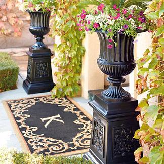Classic Venetian Urn on Pedestal