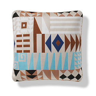 Naxos Puzzle Indoor/Outdoor Pillow in Sand
