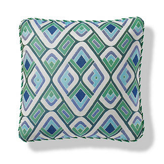 Tiro Diamond Outdoor Pillow in Aruba