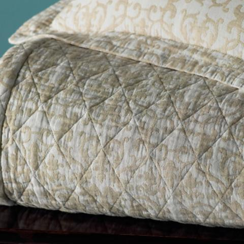 Nice Francesca Quilted Coverlet