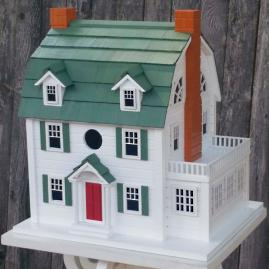 Dutch Colonial Birdhouse
