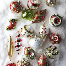 Traditional Red & Green 60-piece Ornament Collection