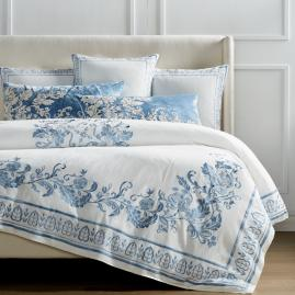 Aviana Duvet Cover in Blue
