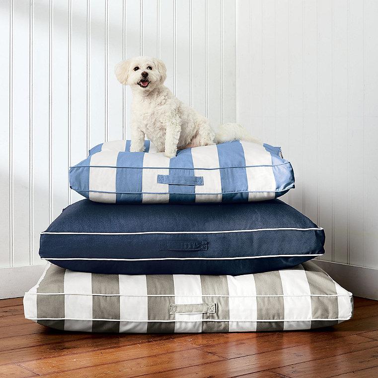Resort Pet Bed
