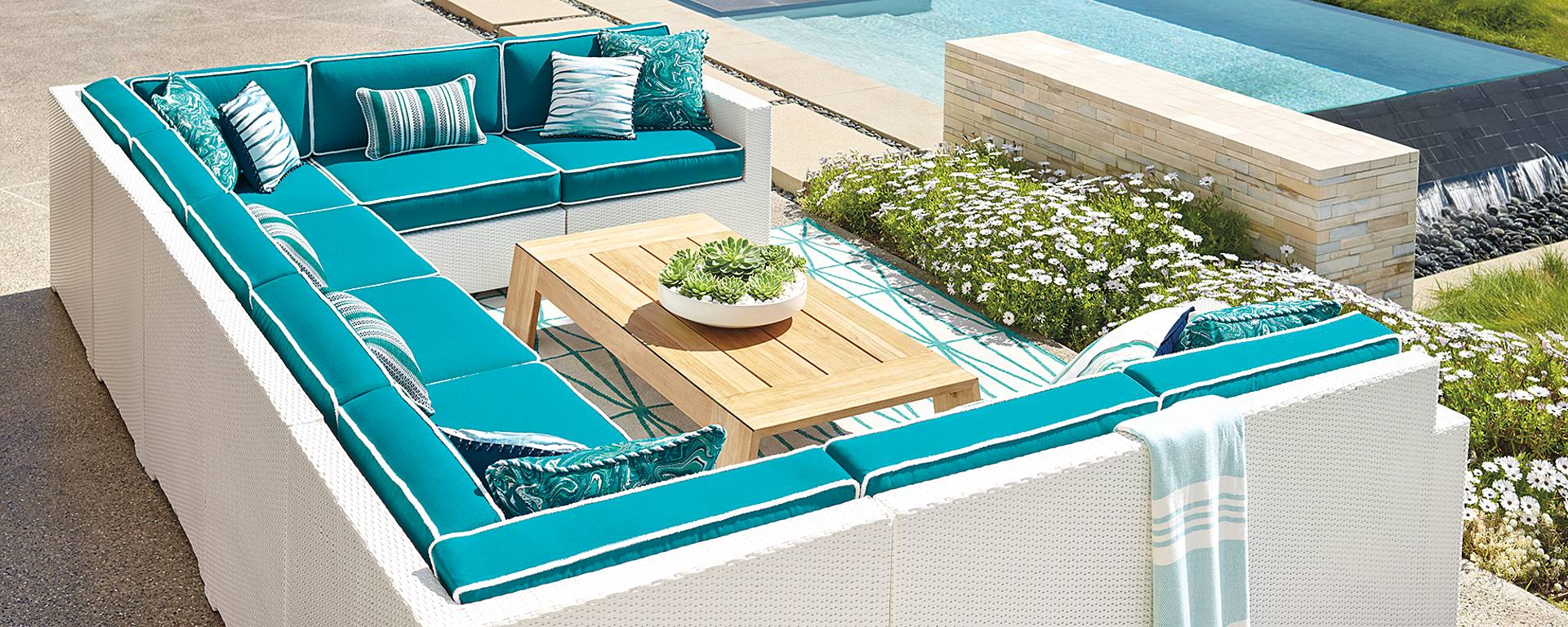 HOW TO CREATE AN OUTDOOR SPACE FOR EVERY OCCASION