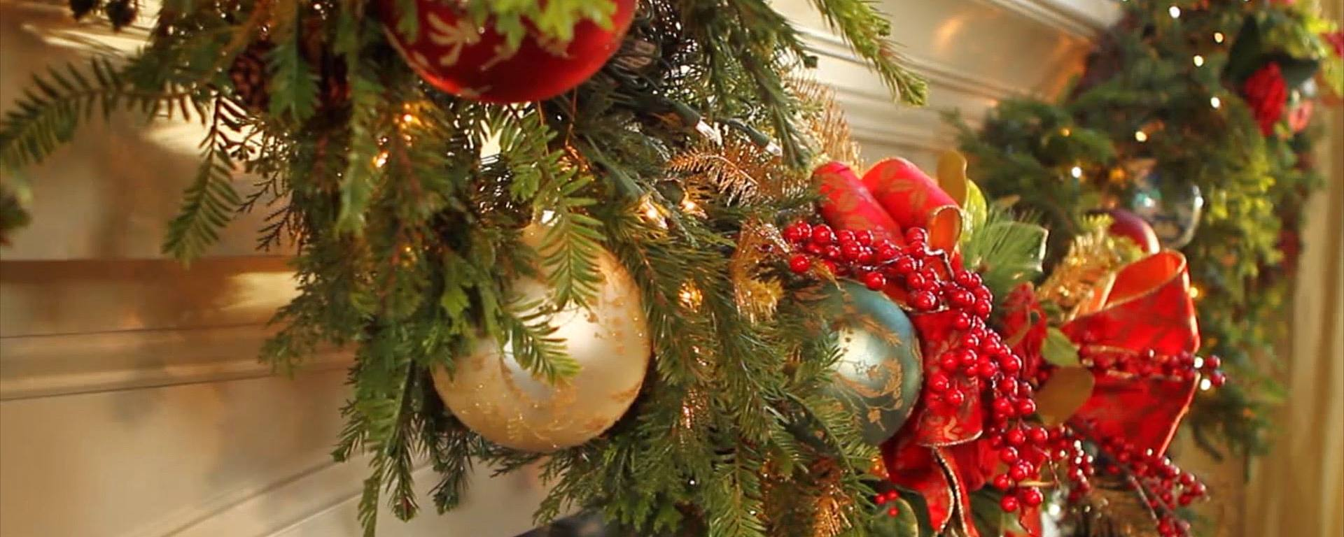 decorate your holiday mantel home style - Decorating Your Mantel For Christmas