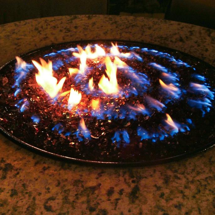 Great Oriflamme ™ Fire Table With Swirl Burner