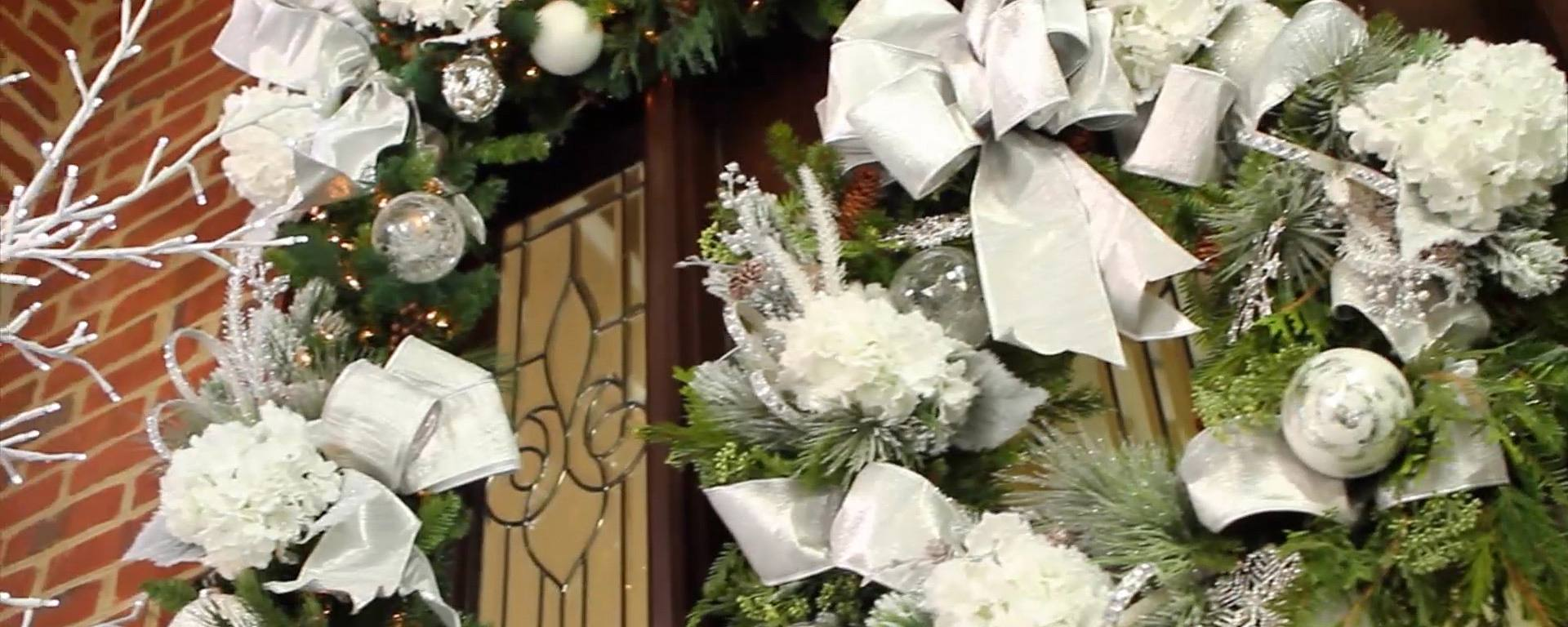 Decorate Your Holiday Entryway